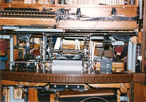 Roll changer in the Hupfeld Model 1 Pan Orchestra.