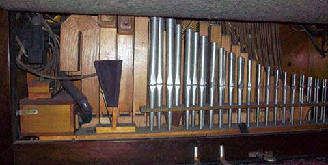 Stardard Reproduco Player Pipe Organ with Quintadena pipes.