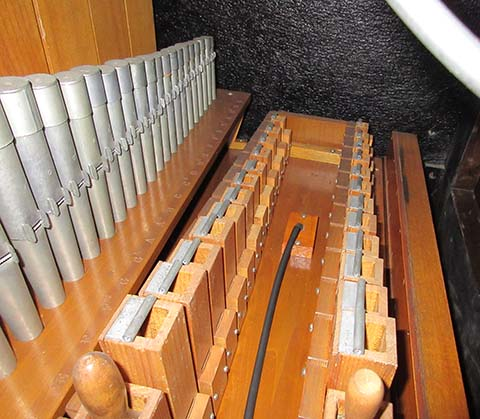Closeup of pipework in Reproduco Unified Theatre Organ #283561.